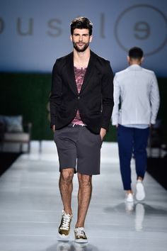 Bustle Spring/Summer 2016 - World Mastercard Toronto Fashion Week