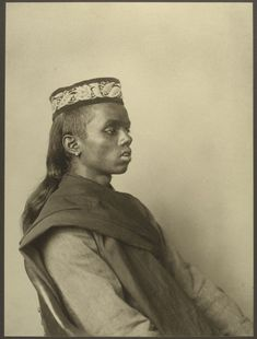 33 Beautiful Vintage Portraits Of America's Immigrant Past From Ellis Island...An Indian boy