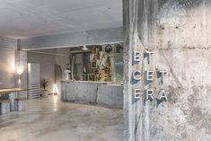 jeonghwa seo crafts brutalist concrete interior for etcetera cafe in seoul Cafe Interior Design, Cafe Design, Seoul Cafe, Concrete Interiors, Plafond Design, Glass Facades, Coffee Shop Design, Brutalist, Retail Design