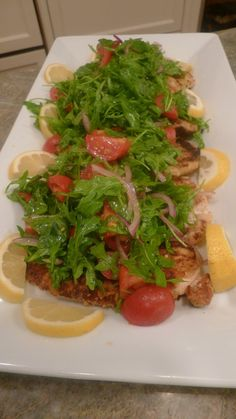 Chicken Milanese with Arugula Salad (Chicken Meals For Kids) Italian Dishes, Italian Recipes, My Favorite Food, Favorite Recipes, Chicken Milanese, Arugula Recipes, Cooking Recipes, Healthy Recipes, Salad
