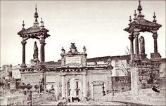 Puente del Real, construido en 1595-1598, ampliado en 1966.Puerta del Real, construida en 1801, fue derribada en 1868. / Valencia / past / vintage / photography / cities