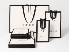 Shop the Leather belt with Double G buckle by Gucci. A smooth leather belt with our signature Double G buckle. Princetown Gucci, Parfum Gucci, Gucci Store, Gucci Gifts, Small Shoulder Bag, Leather Loafers, Mini Bag, Packaging Design, Packaging Ideas