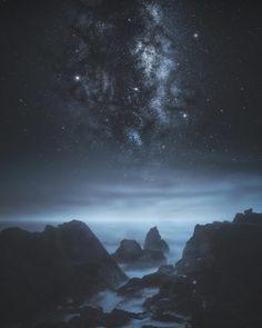 Cosmic Light in a Veil of Darkness Coolum Beach [OC] [COMPOSITE] [1350x1080]