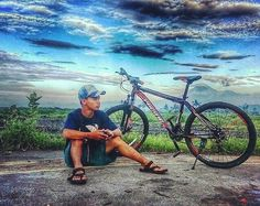 "from @komarudin007 -  Goes with my bike.... ""Selamat pagi gaes..."" #pacificbike #kunir #pakrupahbeach #Regrann"