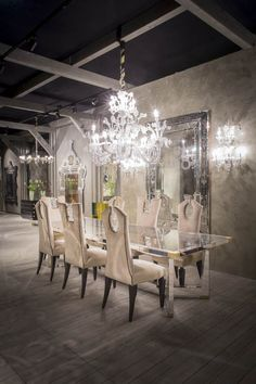table: 3086, chair: 160, chandelier: LV10/12+6 #iSaloni