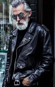 sexy old man look black leather sexy alter Mann schwarze Lederjacke aussehen sexy old man look black leather jacket - Leather Jacket Outfits, Men's Leather Jacket, Biker Leather, Leather Men, Leather Jackets, Custom Leather, Mens Biker Jacket, Vintage Leather, Soft Leather