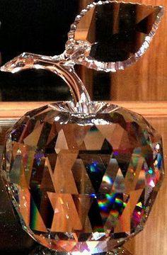 Swarovski Apple - For Eva Swarovski Crystal Figurines, Swarovski Crystals, Cut Glass, Glass Art, Glass Figurines, Crystal Collection, Glass Paperweights, Objet D'art, Murano Glass