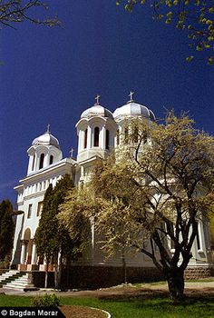 church - Brasov , romania Brasov Romania, Taj Mahal, Architecture, Places, Sweet, Beautiful, Arquitetura, Candy, Architecture Design
