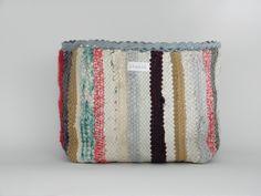 Kangaskori, räsymatto Inkle Loom, Girl Room, Weaving, Throw Pillows, Deco, Bathroom, Crafts, Washroom, Toss Pillows