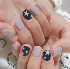 nails - 55 trending geometric nail designs for 2019 spring 038 Diy Nails, Cute Nails, Pretty Nails, Star Nail Art, Star Nails, Pedicure, Nail Art Vernis, Star Nail Designs, Geometric Nail