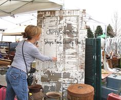 At day at the KANE COUNTY FLEA - Illinois... AwESoMe SHaBBy Door!*!*!