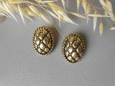 Bijoux boucles d oreilles vintage pomme de pin doré clips bijouterie ancien nature vegetal nature paire années 60 france francais paris
