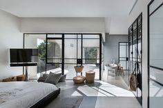 neuman hayner plans L-shaped poolside family residence in tel aviv