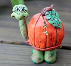 Pumpkin turtle - wish I could buy this. I could never make it look like this.