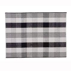 Tapis Inverness en laine motif tartan noir et blanc sur www.chicham.com