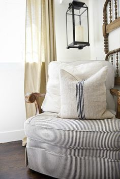 A great source for excellent quality grain sack pillows - a must pin for farmhouse style & cottage style authentic grain sack pillows. Cottage Style, Farmhouse Style, Farmhouse Decor, Farm Cottage, Cottage Ideas, Sofa Pillows, Floor Pillows, Throw Pillows, Cushions