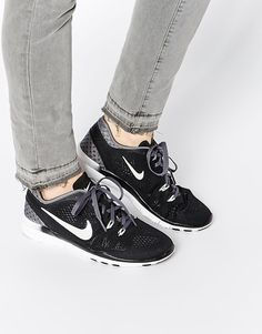 timeless design 732fd 39c7f Shop Nike Free TR Fit 5 Breathe Black   Grey Trainers at ASOS.