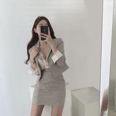 Korean Girl Fashion, Korean Fashion Trends, Ulzzang Fashion, Kpop Fashion Outfits, Korean Outfits, Cute Fashion, Asian Fashion, Girl Outfits, Cute Casual Outfits