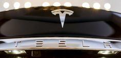 El último firmware de Tesla convierte sus autos en discotecas móviles - http://www.notiexpresscolor.com/2016/12/27/el-ultimo-firmware-de-tesla-convierte-sus-autos-en-discotecas-moviles/