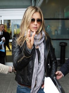 aed55f05ce58 Aviator Sunglasses for Women-Celeb Jennifer Aniston Wearing Sunglasses  Jennifer Aniston Pictures