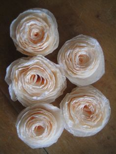 Things to make Learn how to make easy and beautiful coffee filter flowers. They can be used for home decor, gifts, even wedding or party decorations. An easy and fun craft project using supplies you already have! Coffee Filter Roses, Coffee Filter Wreath, Coffee Filter Crafts, Coffee Filters, Coffee Filter Projects, Coffee Filter Art, Tissue Paper Flowers, Felt Flowers, Diy Flowers