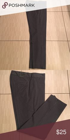 Gray patterned slacks made by Banana Republic. Size 8 gray patterned print slacks made by Banana Republic Banana Republic Pants