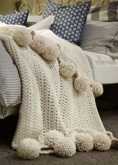 The Aspyn Throw Blanket pattern by Darling Jadore - how to crochet chunky blanket Chunky Knit Throw, Chunky Blanket, Afghan Blanket, Wool Blanket, Chunky Crochet, Diy Projects For Beginners, Manta Crochet, Cozy Blankets, Crochet Blanket Patterns