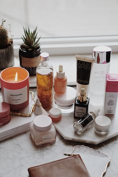 Dry skin cannot be ignored. Dry skin leads to cracking of the upper layer of skin and gives it a real bad appearance. The main causes of dry skin include: dry climate, hormonal changes, too much exfoliation and treatment of other skin Beauty Care, Beauty Hacks, Beauty Tips, Diy Beauty, Beauty Ideas, Homemade Beauty, Beauty Secrets, Face Beauty, Luxury Beauty