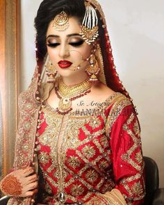 Discover recipes, home ideas, style inspiration and other ideas to try. Bridal Makeup Looks, Bride Makeup, Bridal Beauty, Wedding Makeup, Pakistani Bridal Makeup, Pakistani Wedding Dresses, Pakistani Mehndi, Walima Dress, Bridal Lehenga