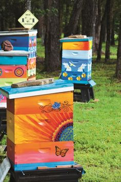 Beehives are a blank canvas just waiting for inspiration to strike. Pick up a paintbrush and jazz up your apiary with these DIY painted beehive designs.