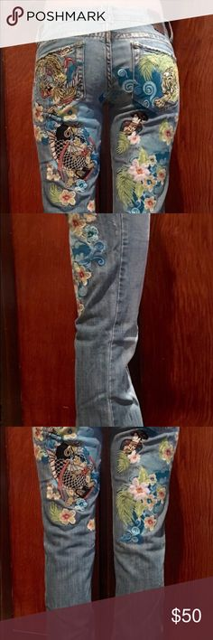 ⚡️FLASH SALE⚡️MARLOW Vintage Embroidered Jeans MARLOW Vintage Original Embroidered Jeans 26/3. EUC. Gorgeous! Marlow Jeans Boot Cut