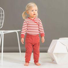 ROCK STAR baby, denim-look, paprika   NOSH verkkokauppa   Kevään lasten uutuusmallistossa leikitellään joutsenien, pesukarhujen ja raitojen iloisessa joukossa. Tilaa tuotteet NOSH edustajalta tai verkosta nosh.fi/lapset (This collection is available only in Finland but you can shop these wonderful fabrics online en.nosh.fi)