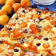 Recept: Jogurtový koláč s ovocem | iGurmet.cz Czech Recipes, Ethnic Recipes, Bacon Roll, Jacque Pepin, Sweet Cakes, Desert Recipes, Cake Cookies, Macaroni And Cheese, Sweet Tooth