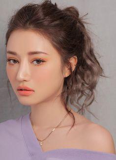 Как кореянки ухаживают за волосами: 5 секретных приемов Korean Natural Makeup, Natural Makeup Looks, Stylenanda Makeup, Makeup Looks Everyday, Fresh Face Makeup, Korean Hair Color, Beauty Makeup, Hair Beauty, Ulzzang Makeup