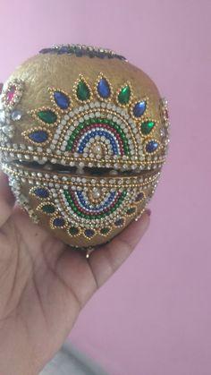 Engagement Decorations, Garden Wedding Decorations, Wedding Crafts, Rangoli Designs Flower, Rangoli Designs Images, Kalash Decoration, Coconut Decoration, Diwali Decorations At Home, Saree Kuchu Designs
