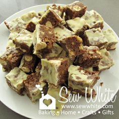 Posts about sew white summer maltesers tray bake written by Childrens Baking, Quick Healthy Snacks, Digestive Biscuits, Baking With Kids, Xmas Food, Tray Bakes, No Bake Cake, Sweet Recipes