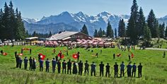 On August 21nd, there will be a traditional Swiss celebration in Beatenberg, where you can learn more about the Swiss traditions and enjoy local delicacies.