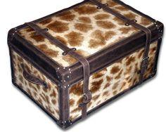 Real giraffe skin trunk. Cowhide Furniture, Giraffe, Decorative Boxes, Home Decor, Felt Giraffe, Decoration Home, Room Decor, Giraffes, Home Interior Design