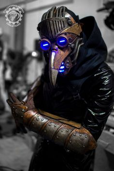 Plague doctor costume designed by Two Horns United Creations Plague Mask, Plague Doctor Mask, Plauge Doctor, Dark Circus, Steampunk Men, Cool Masks, Cyberpunk Art, Halloween Kostüm, Dark Fantasy Art