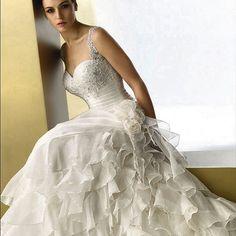 Elianna Moore #weddingdress #wedding #weddinggown #flower #everythingwedding #gorgeousdress #weddingdresses #followforfollow - @everythingwedding- #webstagram