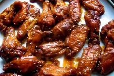 BBQ Chicken for the slow cooker 3 lbs chicken wings (about 14-16) 1 1/2 cups barbecue sauce 1/4 cup honey 2 teaspoons prepared mustard 1 1/2 teaspoons Worcestershire sauce Directions: 1 Rinse chicken, pat dry 2 Place chicken on broiler pan. Broil 4-5 inches from heat for 15-20 minutes, turning once. Transfer chicken to slow cooker. 3 combine bbq sauce, honey, mustard and Worcestershire sauce, pour over chicken wings. Cover and cook on low for 3-4 hours or on high for 1 1/2- 2 hours.