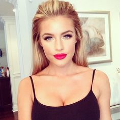 Make Up Look For 2017 Picture Description heavy makeup on the top lid, nothing on the bottom…and a red lip! very marilyn monroe. Pretty Makeup, Love Makeup, Makeup Tips, Makeup Looks, Makeup Ideas, Perfect Makeup, Glam Makeup, Beauty Make-up, Fashion Beauty