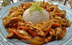 Érdekel a receptje? Kattints a képre! Chicken Makhani, My Recipes, Healthy Recipes, Wok, Thing 1, Thai Red Curry, Asian, Cabbage, Bacon