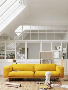 GEEL >> Gele bank in de huiskamer