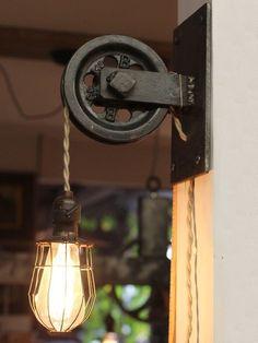 Pulley light - Wall Light