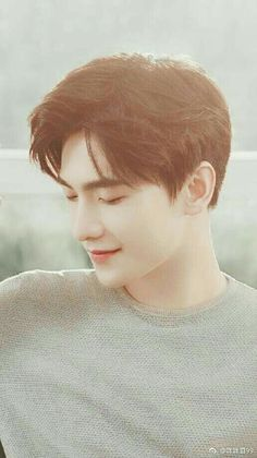 a real heart thorb Handsome Anime Guys, Handsome Actors, Handsome Boys, Yang Chinese, Chinese Boy, Asian Actors, Korean Actors, Yang Yang Zheng Shuang, F4 Boys Over Flowers