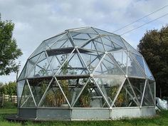 Commercial outdoor glass geodesic large dome tent for greenhouse Geodesic Dome Kit, Geodesic Dome Greenhouse, Greenhouse Gardening, Greenhouse Ideas, Aquaponics Fish, Aquaponics System, Dome Tent, Dome House, Interesting Buildings