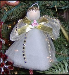 A beautiful, vintage angel. I made this one years ago. It& counted cross-stitch. Tree topper for the last 29 years. A gift from my si. Diy Angels, Beaded Angels, Handmade Angels, Crochet Angels, Ornament Crafts, Holiday Ornaments, Holiday Crafts, July Crafts, Crochet Ornaments