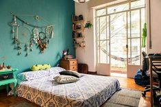 20 Charming Aqua Blue Bedrooms For Paint Color Choice Aqua Blue Bedrooms, Blue Bedroom Paint, Blue Bedroom Colors, Home Bedroom, Bedroom Decor, Hippie Bedding, Modern White Bathroom, Hippie Home Decor, Contemporary Bedroom