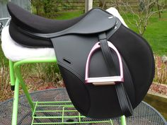 Tekna A6 Jumping Saddle ~ probably one of my favorite jumping saddles! Great brand :D